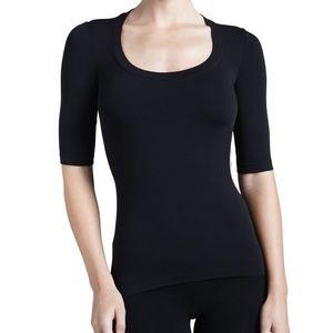 Wolford scoop neck half sleeve black t shirt (ю21)